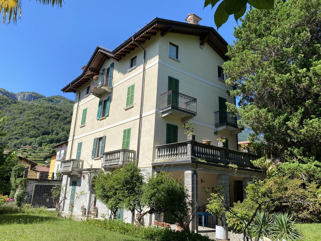 Menaggio Apartment in period villa