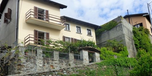 House San Siro with garden and Lake Como view