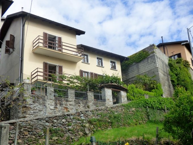 Lake Como San Siro House with garden and lake view