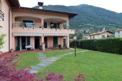 Apartment Tremezzina with garden