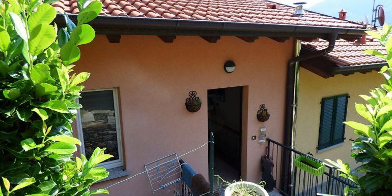 Pianello del Lario House with garage