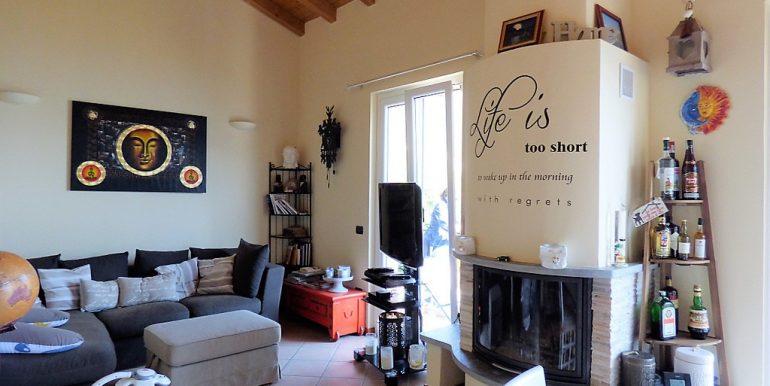 Pianello del Lario House fireplace