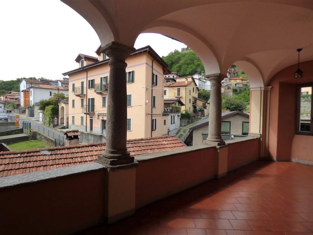 Apartment Pianello del Lario near the lake