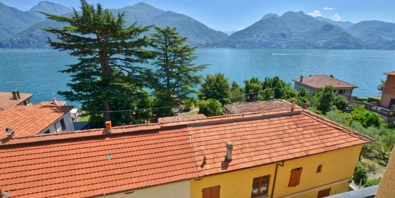 Apartment San Siro with lake view and terrace