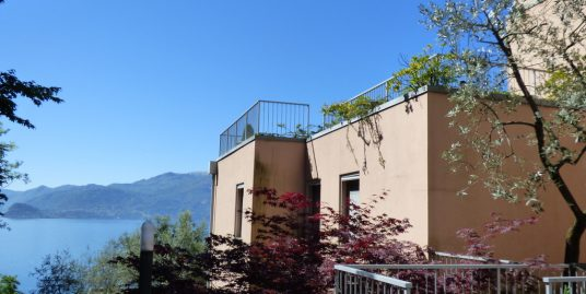 Apartment in San Siro with swimming pool and Lake view