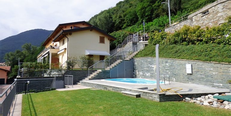 San Siro apartments - swimming pool, terrace and lake view