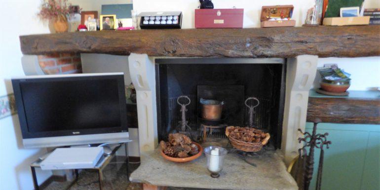 Grandola ed Uniti - Fireplace