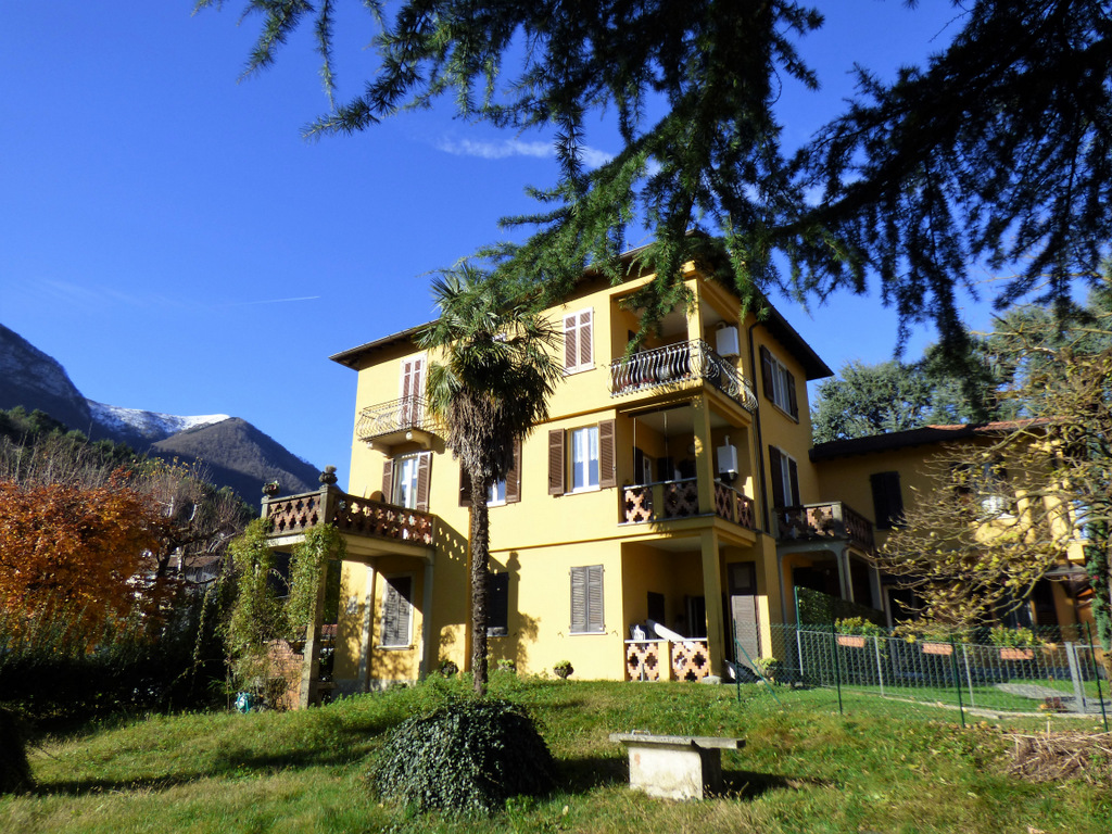 Grandola ed Uniti Apartment with Land