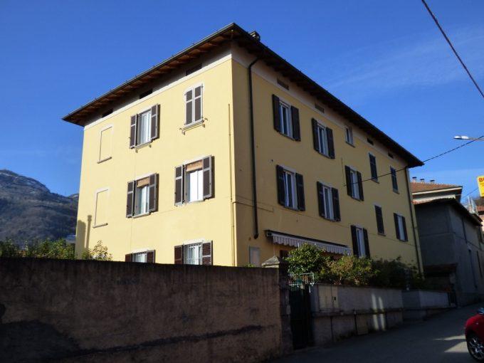 Menaggio Apartment in the centre with balcony