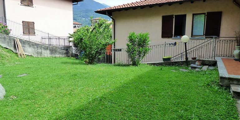 Garden in Menaggio apartment