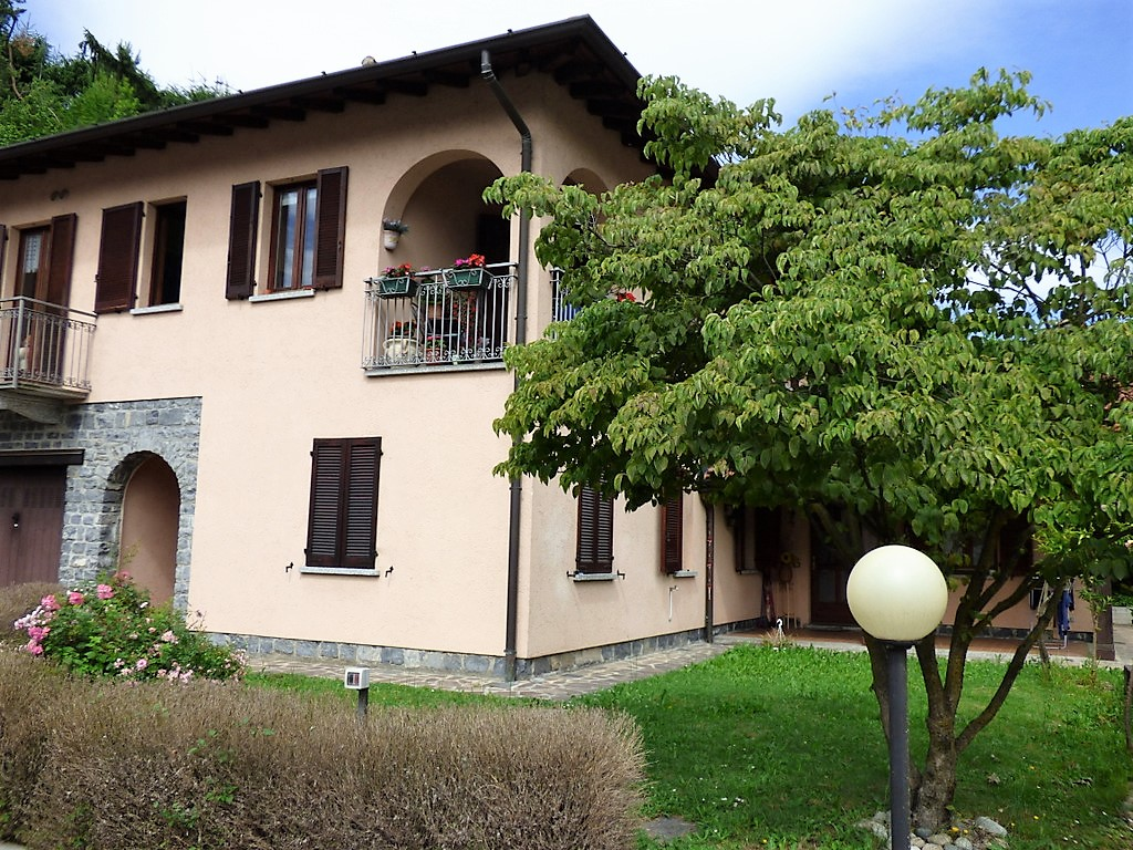 Apartment Menaggio with garden and panoramic view