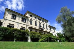 Tremezzo apartment in front lake period villa