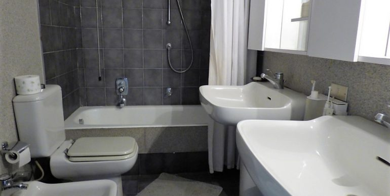 Bathroom in apartment  - Lake Como period Villa
