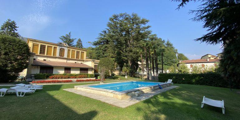 Swimming pool and villa - Lake Como Tremezzo