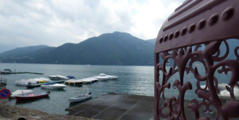 Lake Front Apartment Tremezzina with balcony