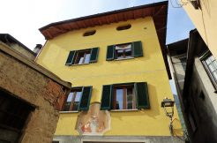 Apartment Mezzegra - Lake Como with balcony and garage