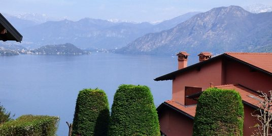 Apartment Argegno with garden and lake view