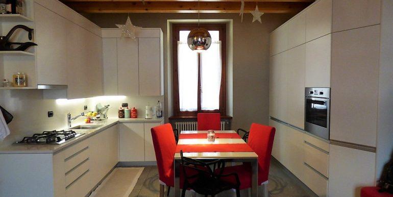 Dizzasco Apartment - kitchen