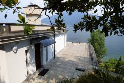 Pianello del Lario Villa Front Lake