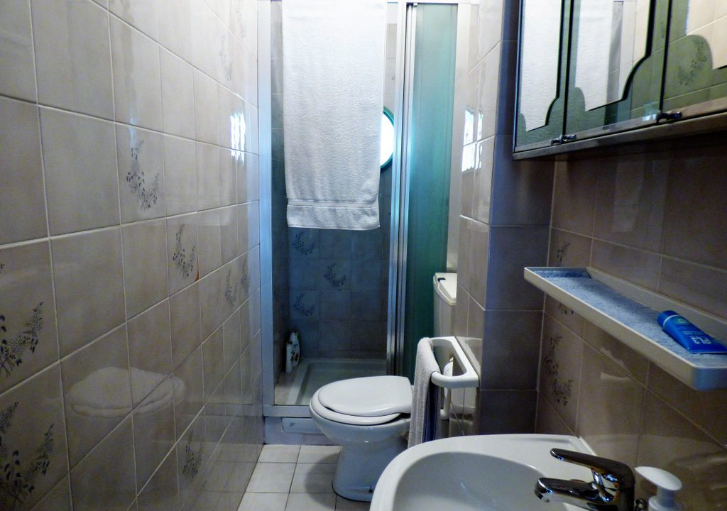 Bathroom in house Tremezzo
