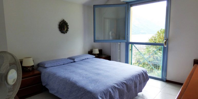 Bedroom in semi-detached villa- Tremezzo