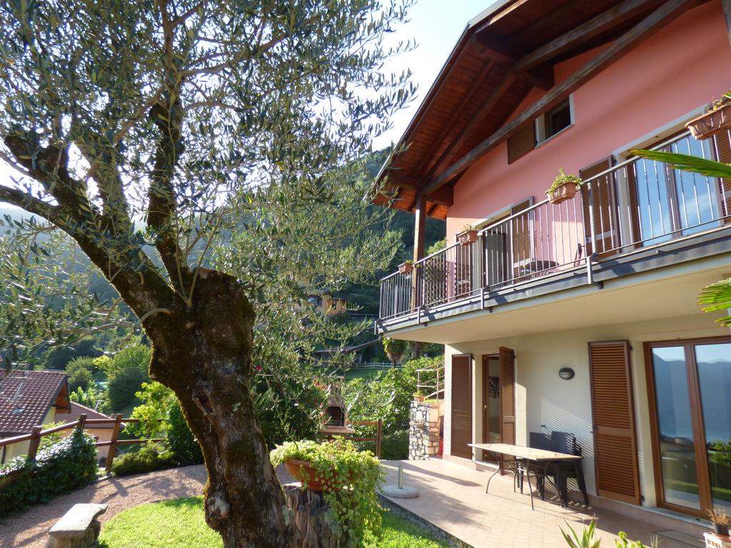 House Tremezzina with Lake Como view and garden
