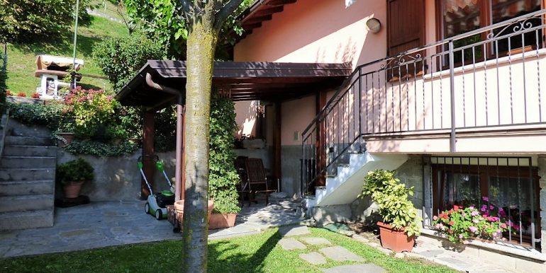 Garden in house in Lenno
