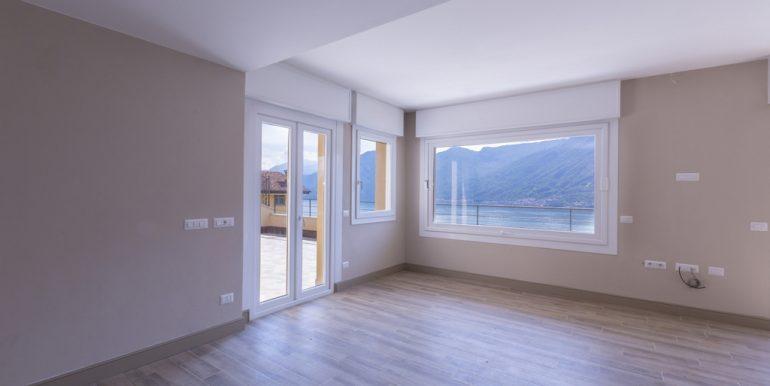 Rid. MC088 - Lago Como Colonno - Villa moderna vista lago (40)