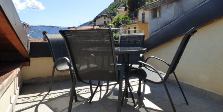 Rid. MC096B - Lago Como Argegno Casa con giardino e vista lago (45)