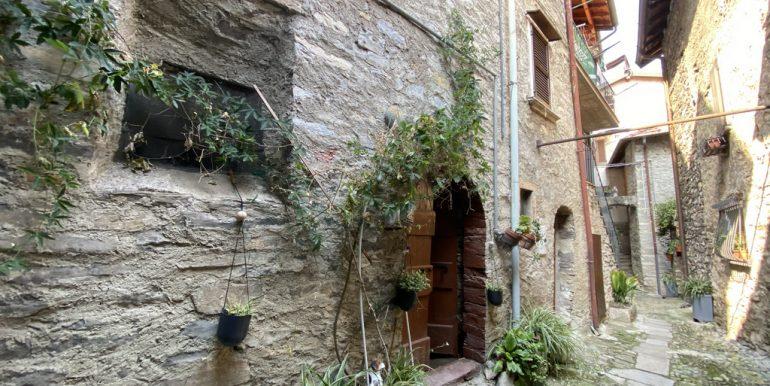 House to renovate - Lake Como