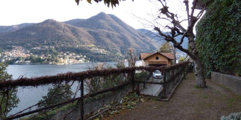 Moltrasio Front Lake House - garden