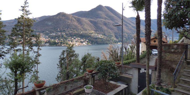 Moltrasio House with garden and lake view