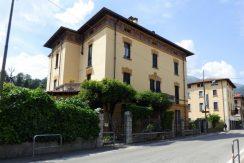 Apartment in historic villa