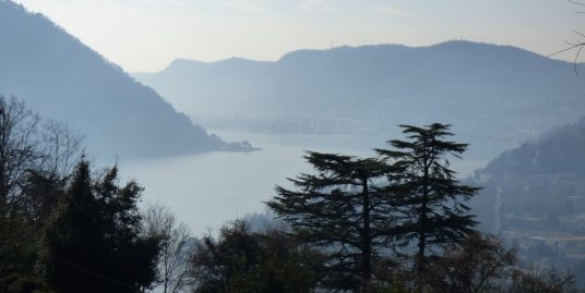 Lake Como Cernobbio Rustico to renovate with lake view