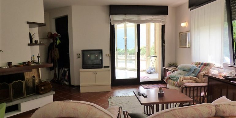 Living room - Villa Tremezzo with park, terrace and lake view