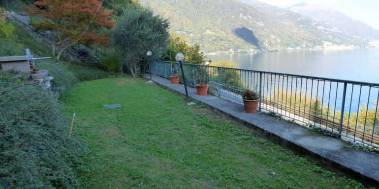 Front Lake House Brienno with garden - Lake Como view