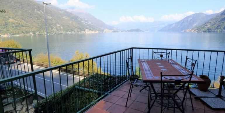 House Brienno with terrace and Lake Como view