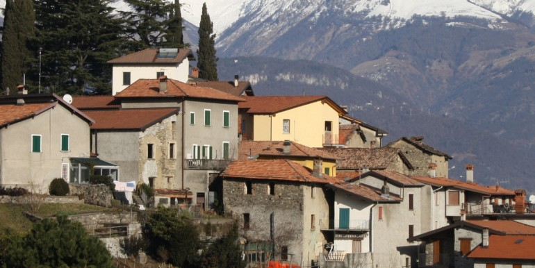 Lake Como Cremia Rustico to Renovate