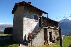 House to Renovate Pianello del Lario with Cellar
