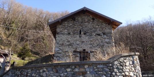 Property to Renovate Sorico with Lake View – Lake Como