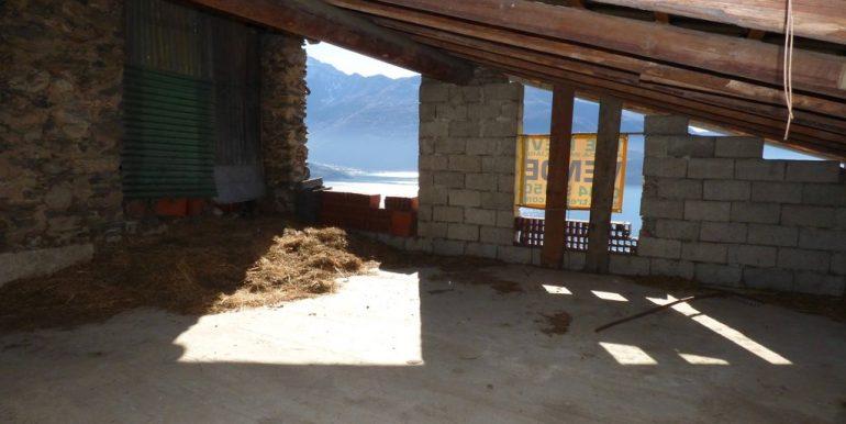 Gravedona ed Uniti House to Renovate on 3 floors
