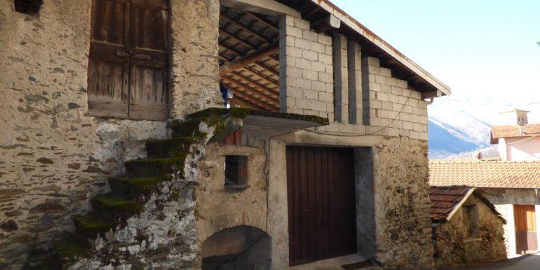 Gravedona ed Uniti House to Renovate sunny
