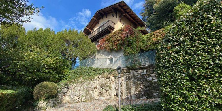 Villa Front Lake Como with Boat Place Torno - garden