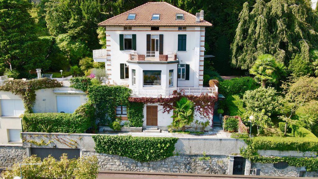 Villa Como City with Dependance and Lake View