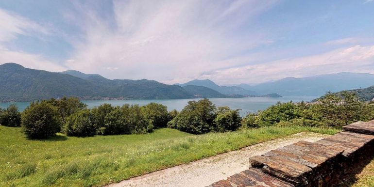 Luxury Villa Lake Como Mandello del Lario - lake views