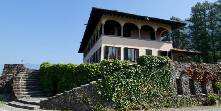 Luxury Villa Lake Como Mandello del Lario with Park car access