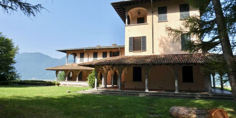 Luxury Villa Lake Como Mandello del Lario with Park private
