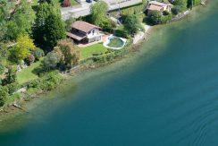 Detached Villa Front Lake Abbadia Lariana with Garden