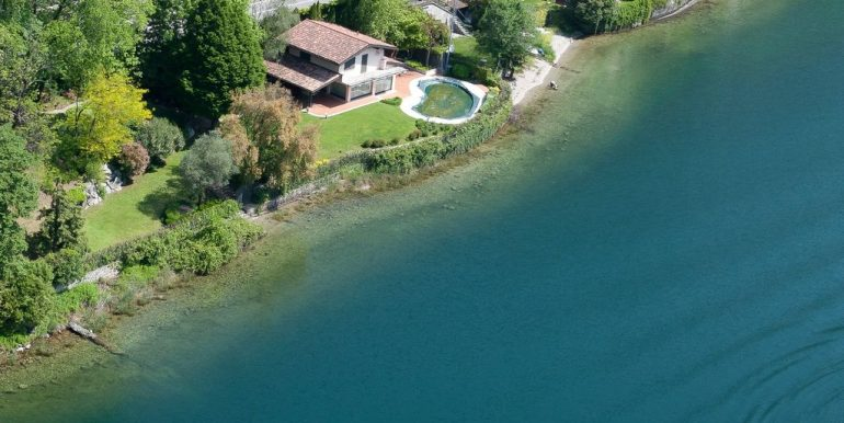 Detached Villa Front Lake Abbadia Lariana with Pool