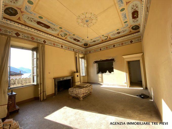 Lake Como Gravedona ed Uniti Period Villa with Lake View